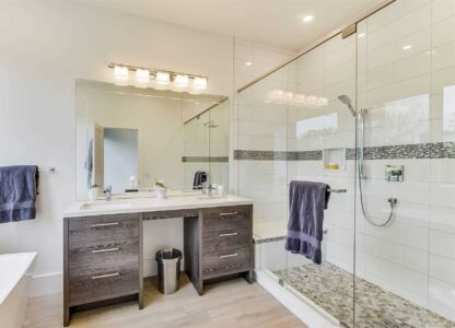 Ensuite bath modern in Toronto