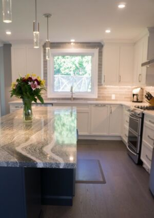 Transitional Kitchen Toronto Suburb